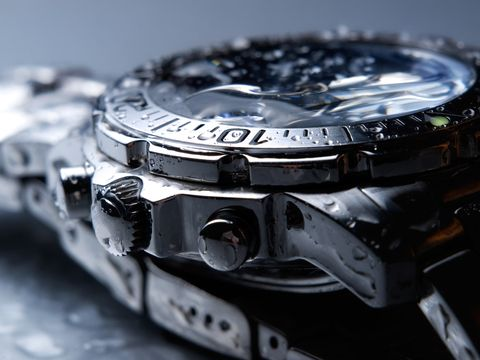 close up photo of a watch after ultrasonic cleaner